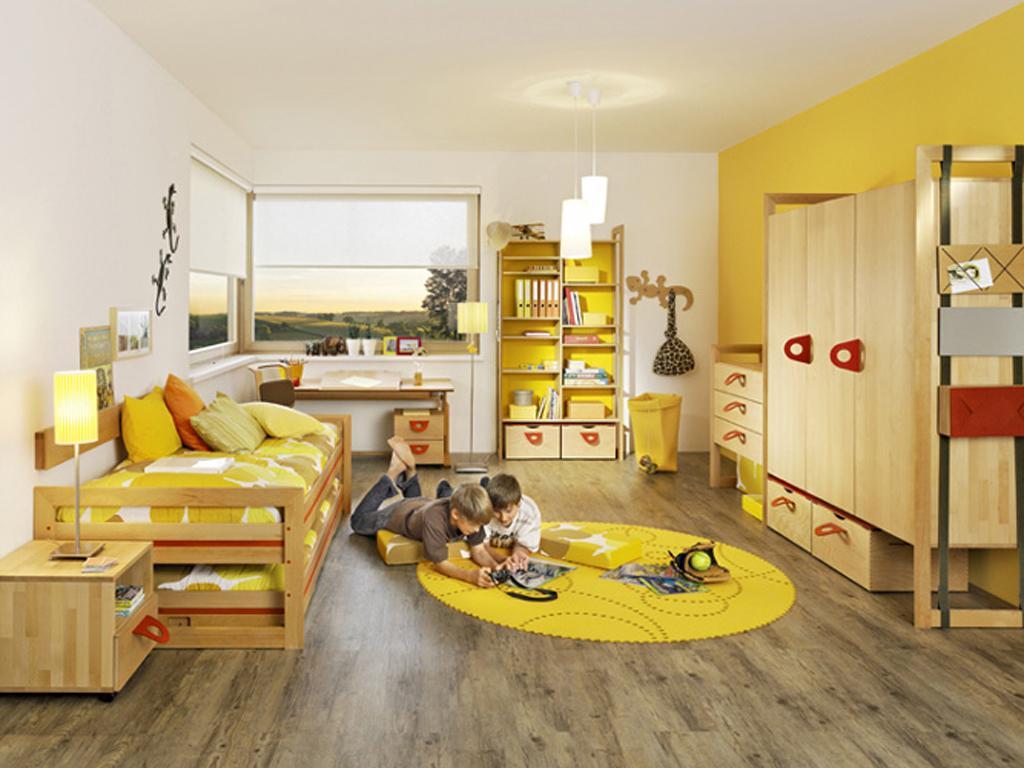 Детская комната в желтом цвете для мальчика
