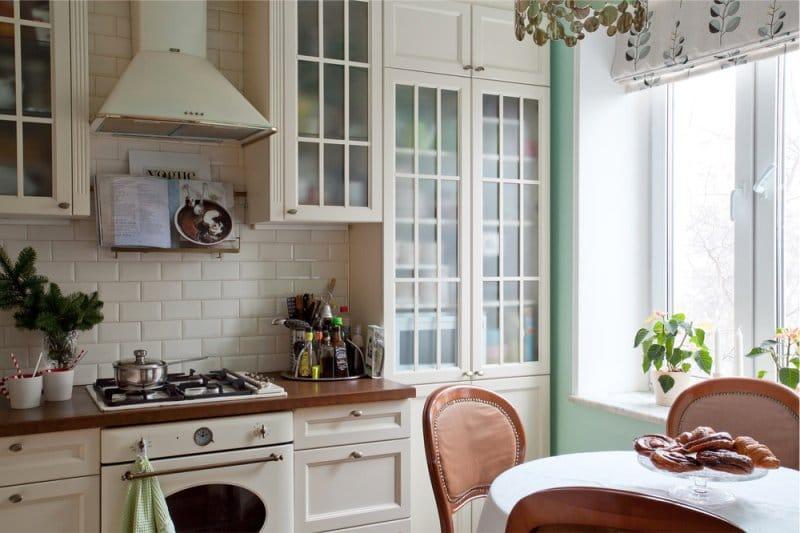 Интерьер кухни 9 кв. м в светлой гамме