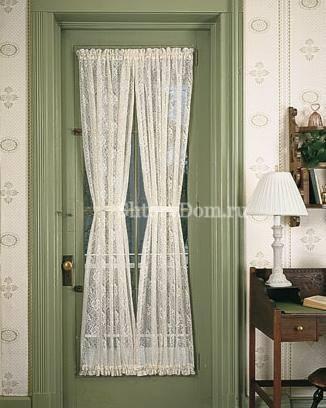 Ажурные шторы на двери межкомнатные