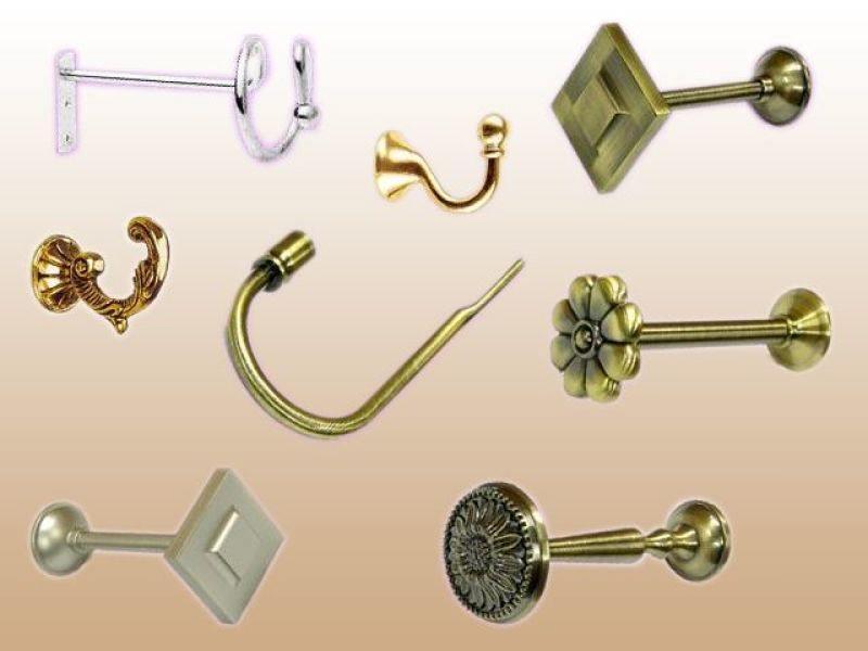 Крючки для штор могут быть выполнены в разных модификациях и не всегда они крепятся к карнизу