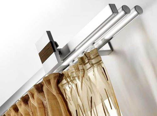 Настенный карниз из металла выглядит великолепно, если необходимо в комнате подчеркнуть, например, стиль модерн.