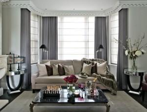 Классическая гостиная с серыми пепельными шторами