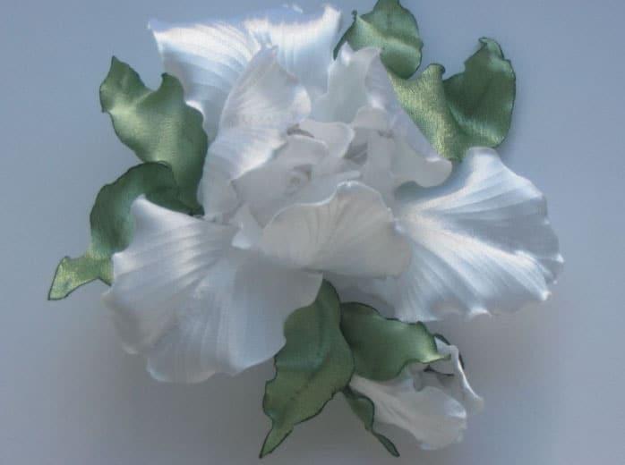 красивый цветок из ткани для штор