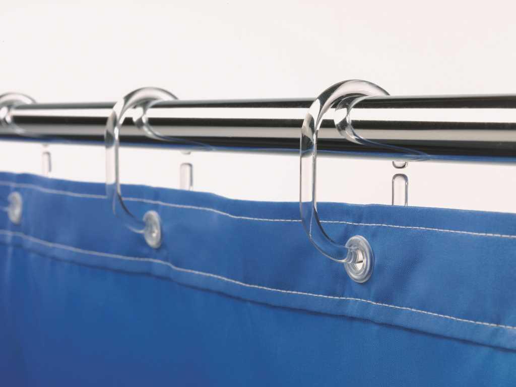 Пластиковые кольца легко удержат шторки из хлопка