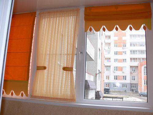 povesit-shtory-na-balkone_11