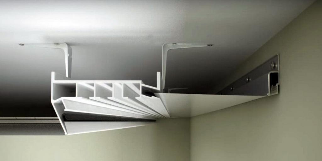 Схема установки профиля-гардины для штор с натяжным потолком в нише.