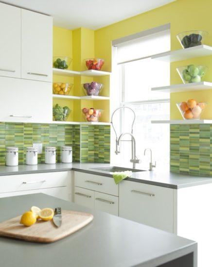 Желто-белая кухня