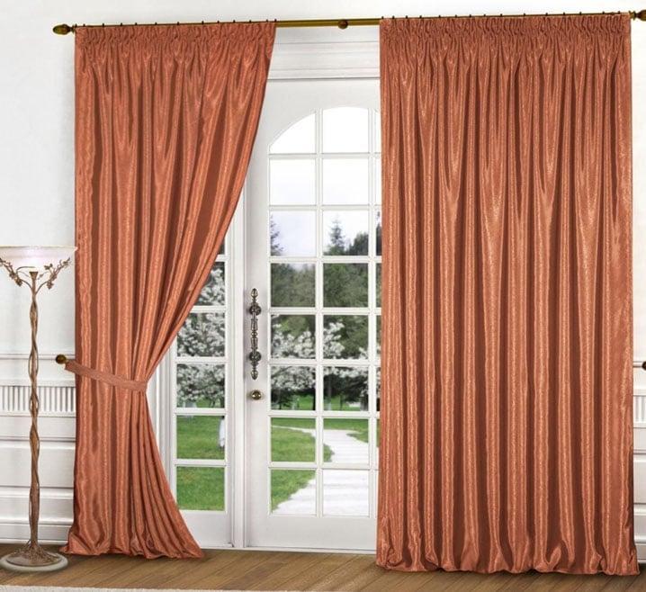 тяжелые шторы для гостиной