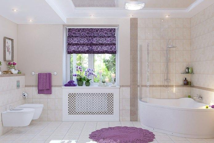 оформление окна римской шторой в ванной комнате