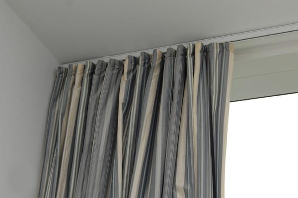 Закрепление на потолке – прием, увеличивающий пространство