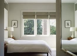 Римские шторы для спальни. Уместны ли