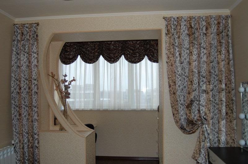 тюль с ламбрекеном на лоджии совмещенной с комнатой