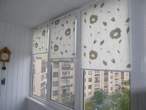 Установка рулонных штор на пластиковые окна в Орле