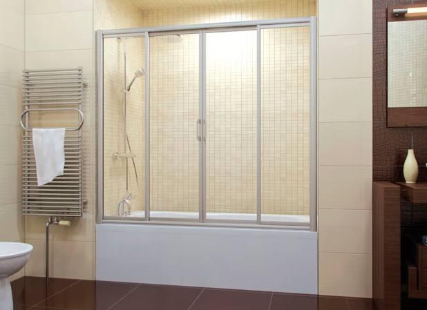 Красивая шторка из стекла в ванную