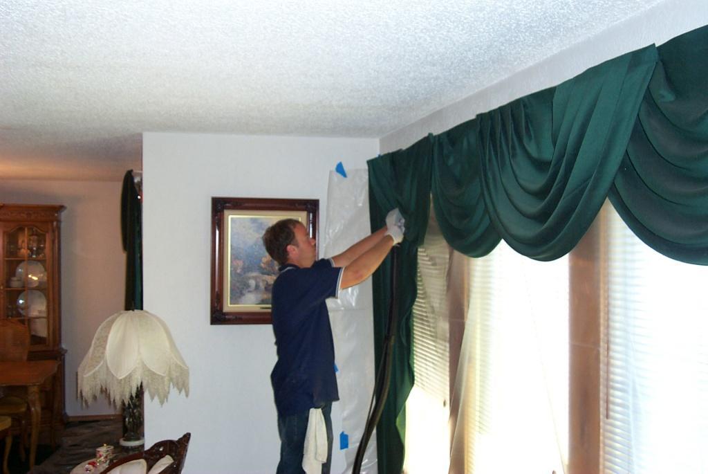 Химчистка штор на дому в выездом. не снимая с окон