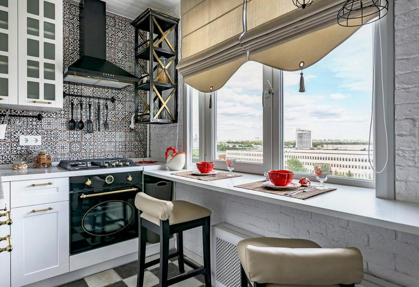 При выборе римских штор на кухню, материал необходимо подбирать исходя из степени освещенности помещения дневным светом