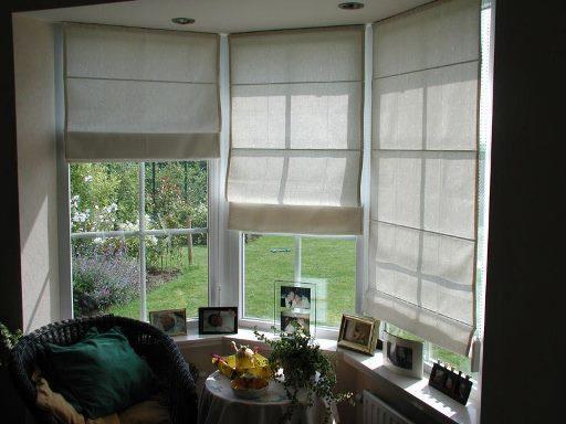Светлые шторы на веранде