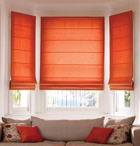 Римские шторы для эркерного окна