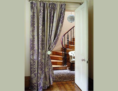 dizajn_shtory_v_koridor_kvartiry_ili_doma__7