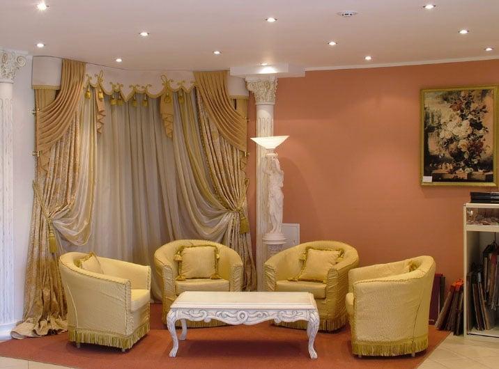 эксклюзивные шторы в интерьере гостиной