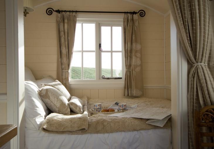 простые занавески в спальню