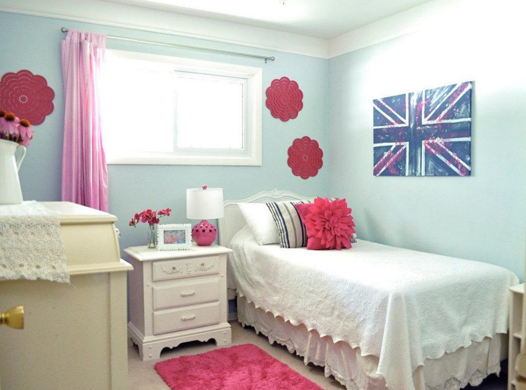 маленькое окно в спальне как оформить