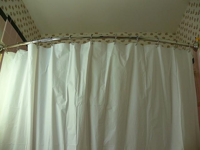 штанга для штор в ванную