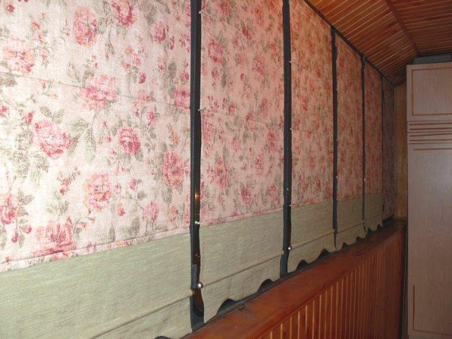 Римские шторы на балконе
