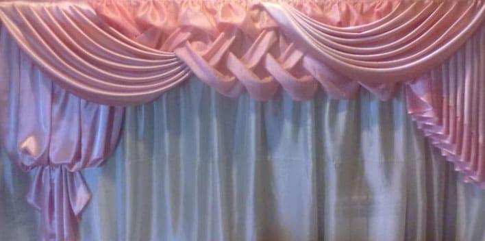 розовые ламбрекены