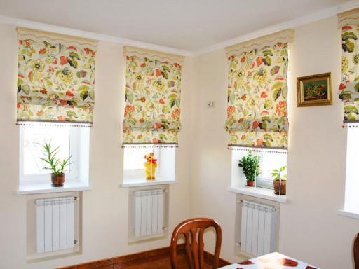 Красивыми могут быть не только сами шторы, но и карниз к ним