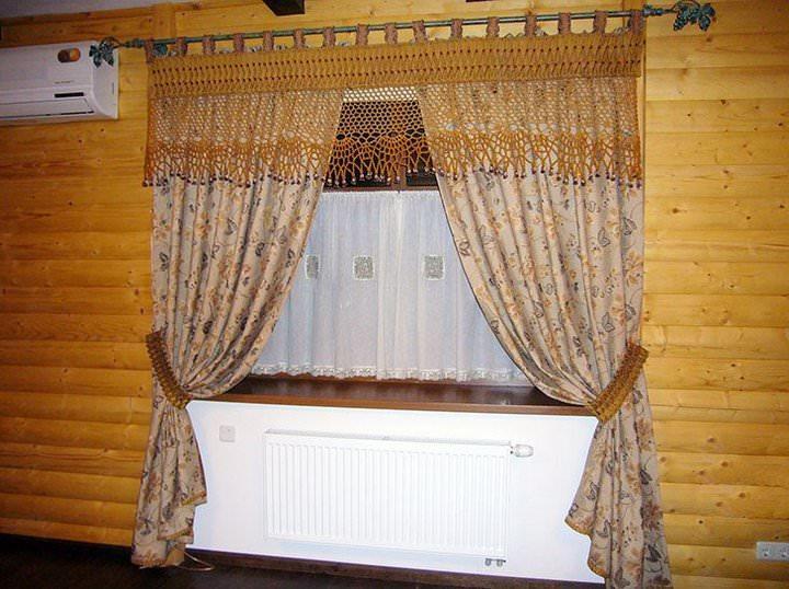 Кантри шторы создают простую, но в тоже время умиротворяющую обстановку