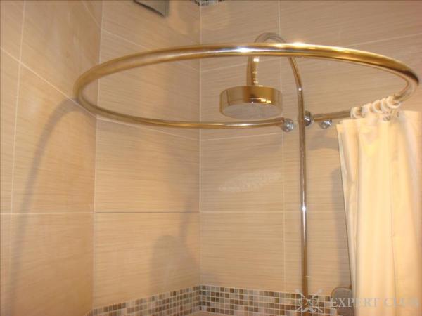 Круглый карниз для ванной