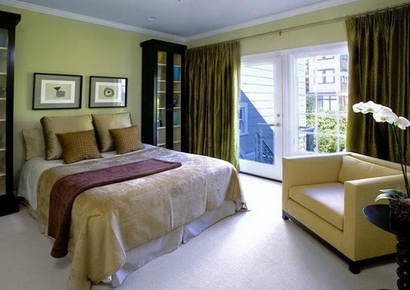 в спальне оливкового цвета
