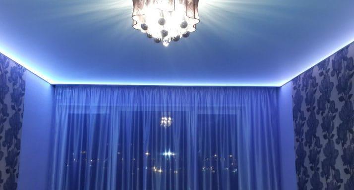 подсветка потолка и штор
