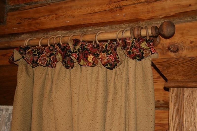 Как украсить шторы для деревянного дома