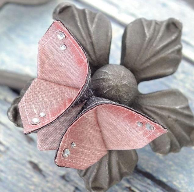 красивая бабочка из ткани