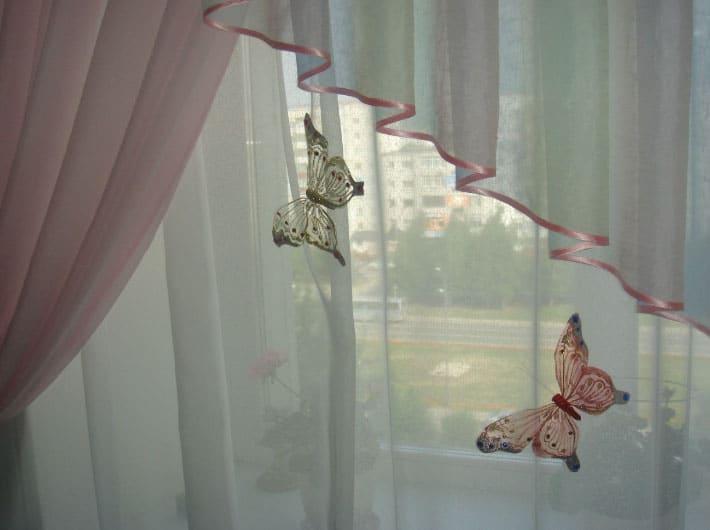 Бабочки из ткани на шторах