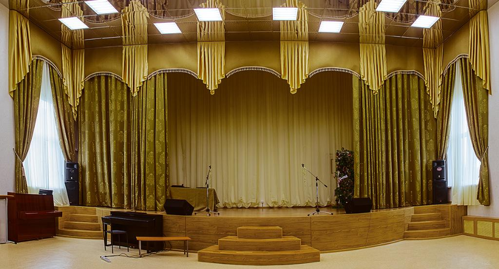 Занавес и шторы в актовый зал школы