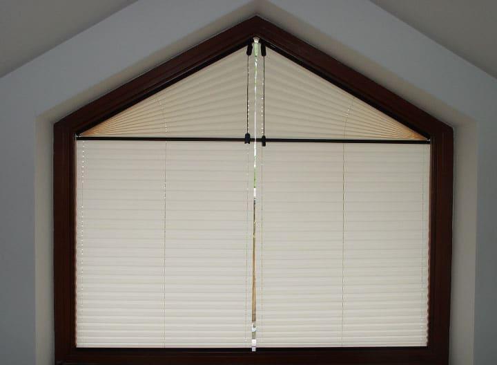 шторы на косые окна