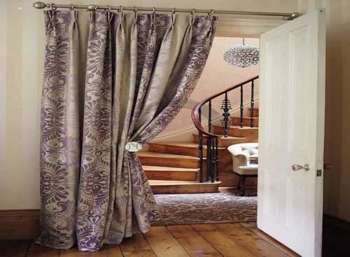 тканевые шторы на дверной проём