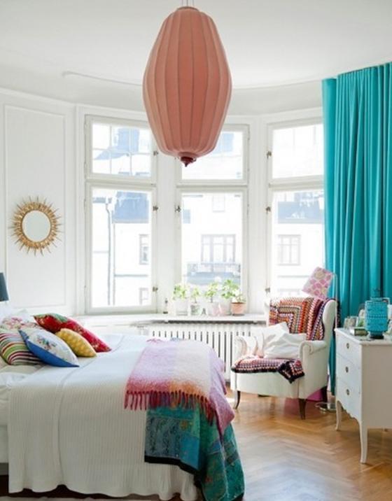 Белая мебель шторы к ней бирюзовые