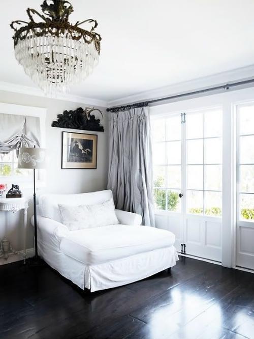 Серые шторы белый цвет мебели
