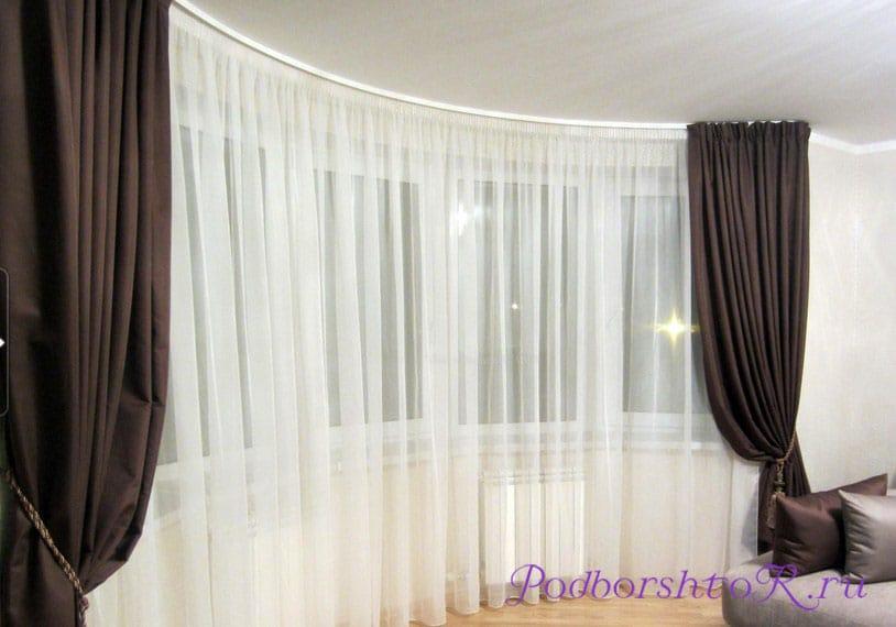 Сочетание тюля и штор для гостиной