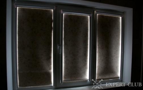 Рулонные светонепроницаемые шторы на пластиковых окнах