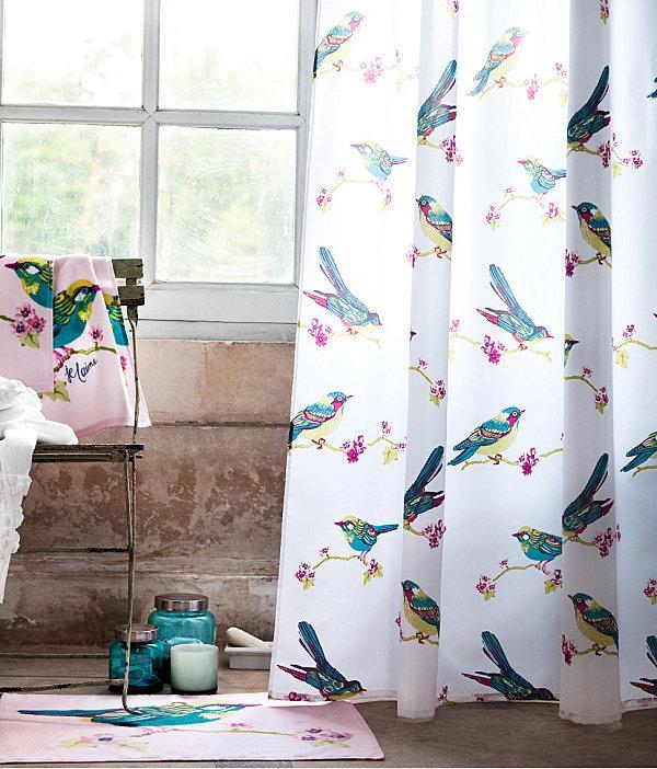 Женственный стиль в занавесках для ванной комнаты