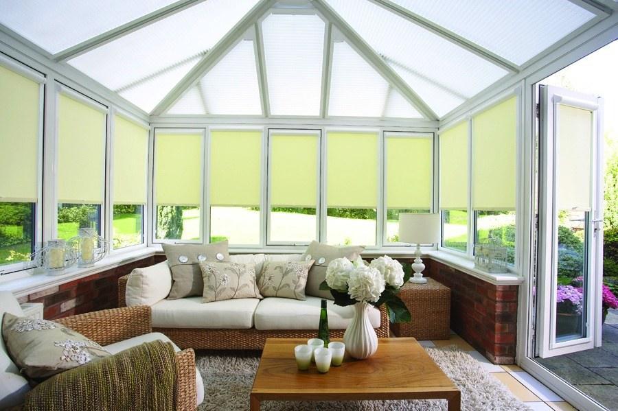 Рулонные шторы на пластиковые окна: особенности, конструкции, применение