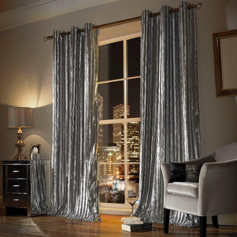 серебряные шторы в гостиной