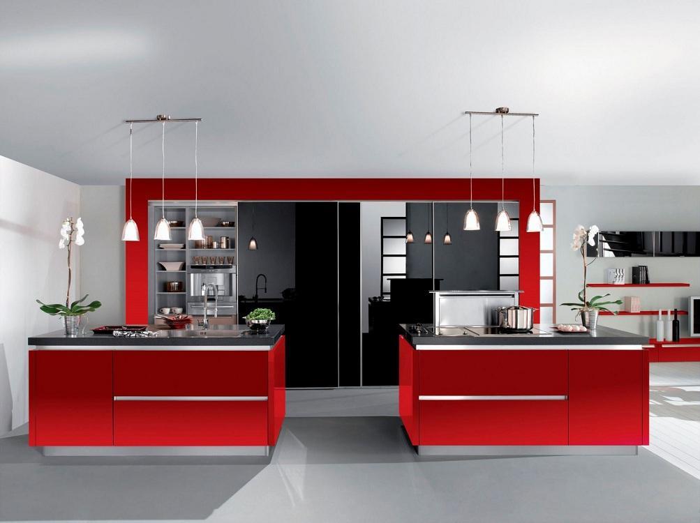 Черно-красная кухня в сочетании с серым цветом