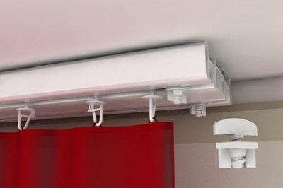 На фото – функциональные крепления для штор с фиксаторами, предотвращающими выпадение