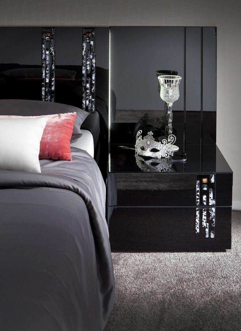 Black and white bedroom 9 (23)